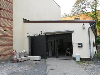 Der Vorplatz vor unserem Atelier